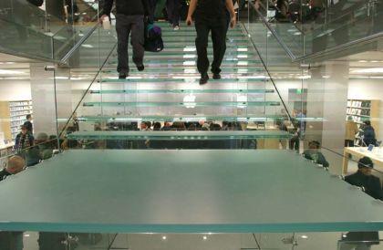freshhome-applestore-stair-22