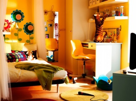 freshhome-ikea-2010-teen-room_01